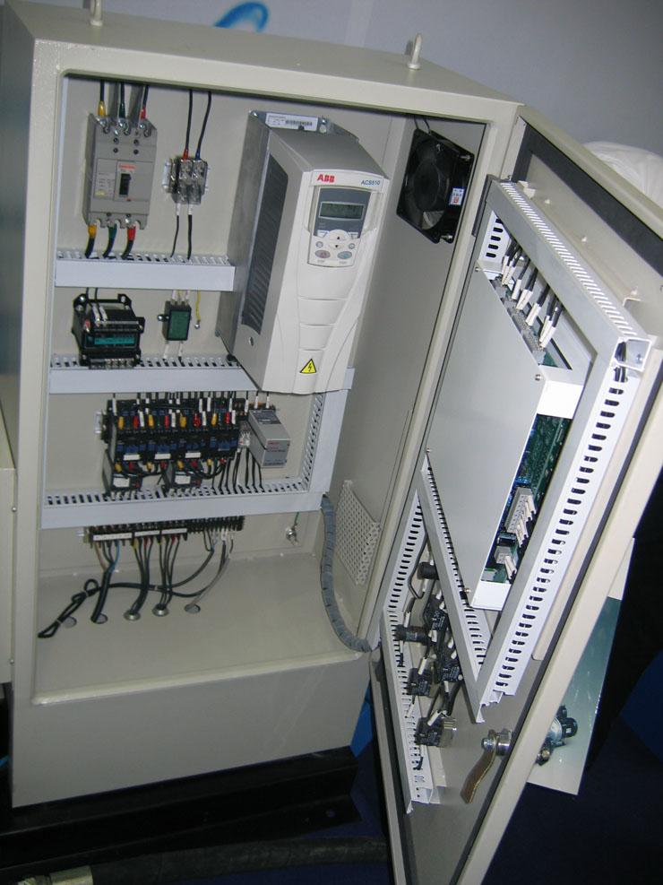 变频控制柜   几大核心部件(主要部件采用进口知名品牌)   变频器